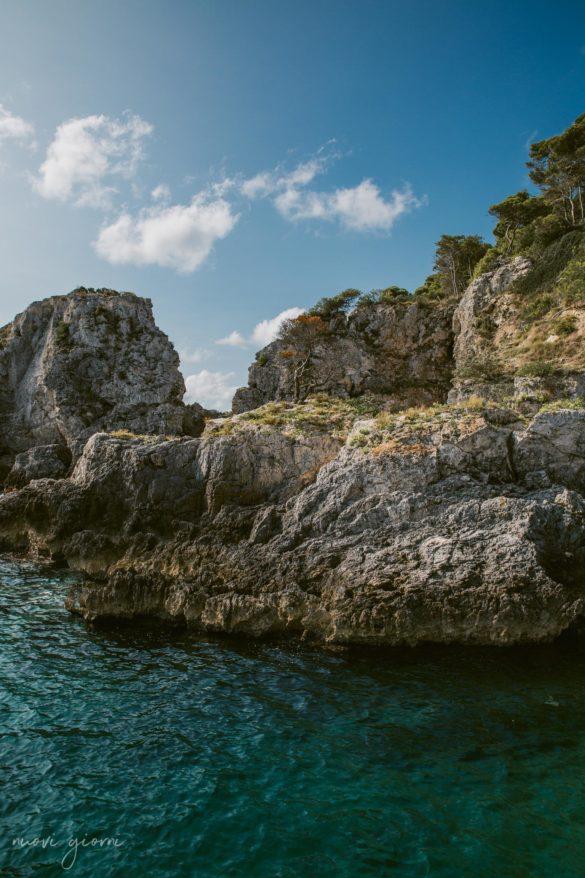 Vacanza in Italia alle Isole Tremiti - Scogli - San Domino - Nuovi Giorni Blog