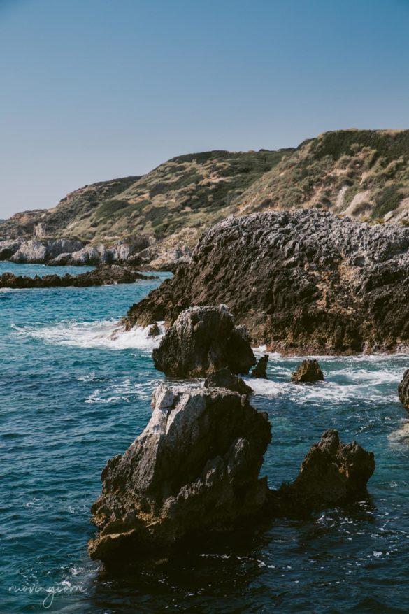 Vacanza in Italia alle Isole Tremiti - Onde sugli Scogli - Nuovi Giorni Blog