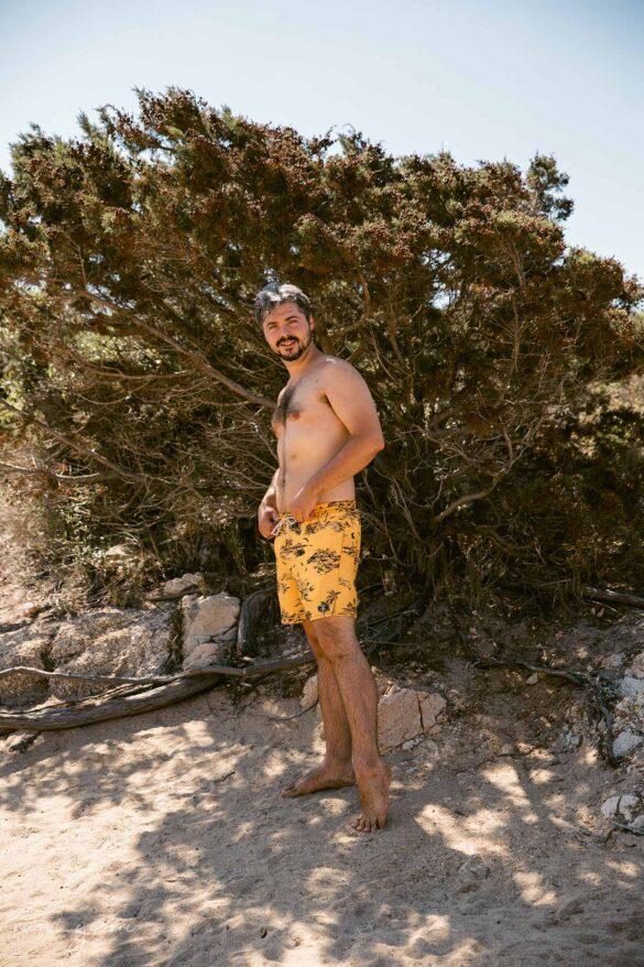 Tivella Spiaggia Corsica Francia Nuovi Giorni Blog Boy on the shore