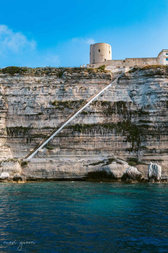 Scala Re Alfonso V d'Aragona Bonifacio Corsica Francia Foto dal mare Nuovi Giorni Blog 0050