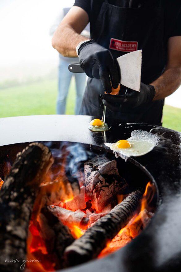 Cottura su Ofyr braciere Borgo Condé Forlì Emilia Romagna Vacanza Barbecue Campfire Lodge di Marco Agostini