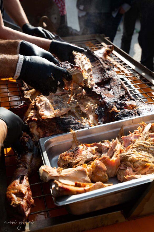 Porchettata durante la Vacanza Barbecue Campfire Lodge di Marco Agostini