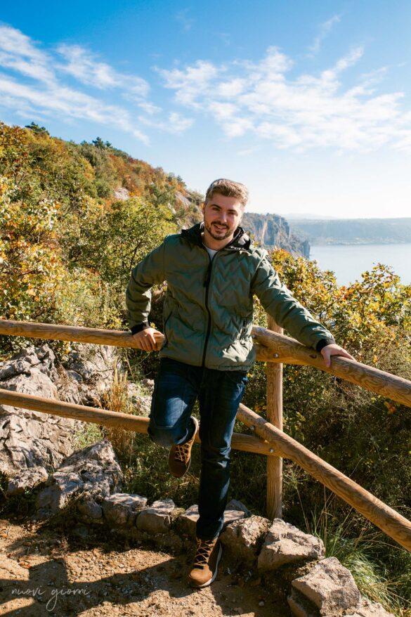 Sentiero Rilke-Trieste-Nuovi Giorni Blog-Ragazzo-Mare-Dolomite